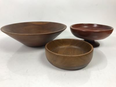 (2) Walnut Wooden Salad Bowls And California Redwood Footed Bowl