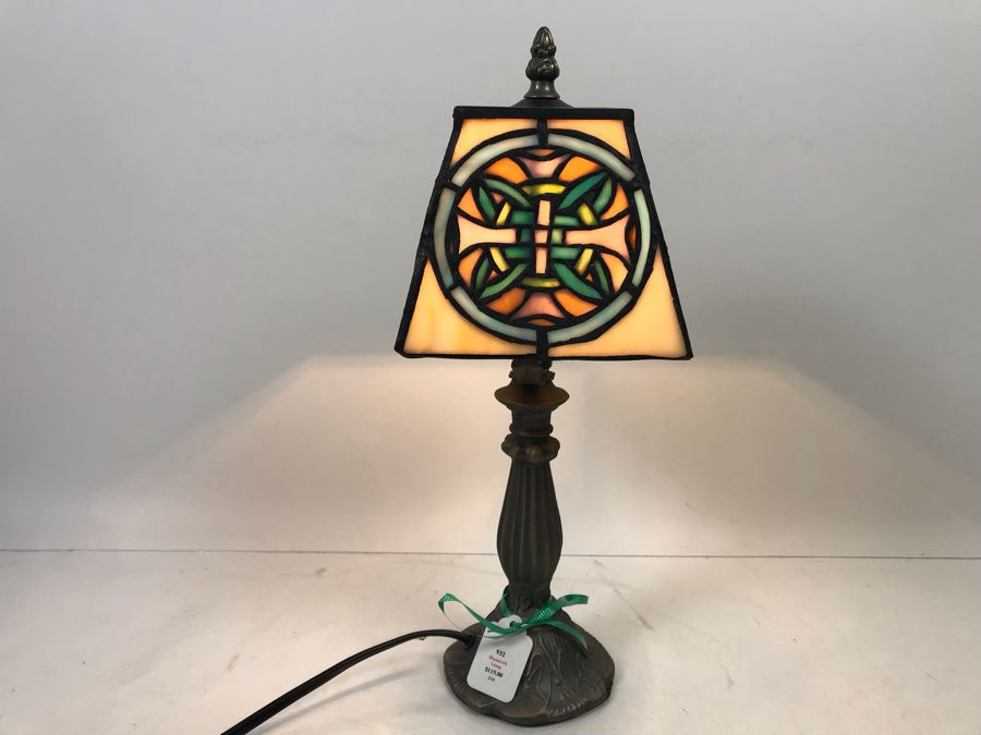 Irish Shamrock Lamp Retails $119 [Photo 1]