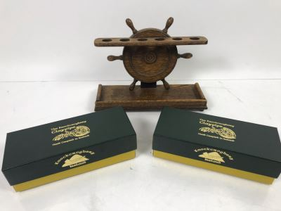 Vintage Nautical Ships Wheel Tobacco Pipe Stand Rack And (2) New Knockcroghery Clay Pipes From Ireland
