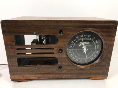Vintage Zenith Long Distance Tube Radio - Needs Servicing