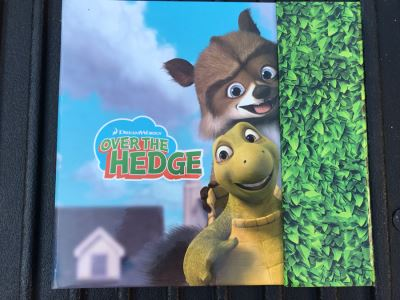 2006 Dreamworks Over The Hedge Movie Trade Book Graphic Animation Treatment Book Cells