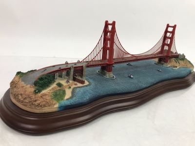 The Danbury Mint The Golden Gate Bridge San Francisco, California Sculpture Figurine With Box