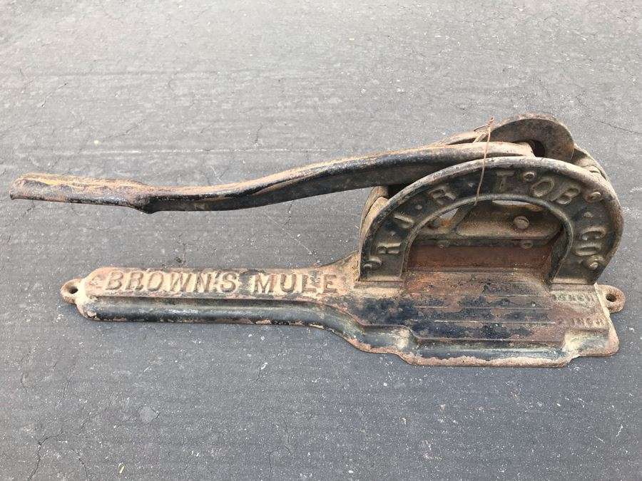 Antique Cast Iron Tobacco Cutter Brown's Mule RJR Tobacco Co. [Photo 1]