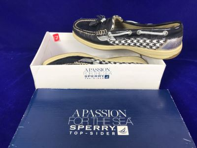 New Pair Of Women's Sperry Top-Siders Size 7.5 Retails $90