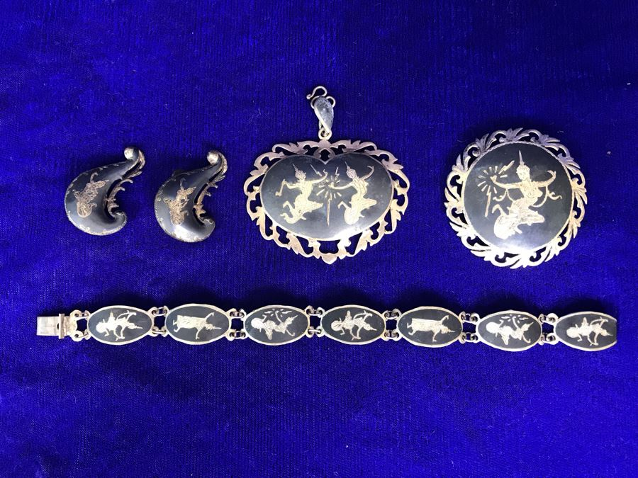 Vintage SIAM Sterling Silver Jewelry: Pendant, Brooch Pin, Bracelet and Pair Of Clip On Earrings 36g TW [Photo 1]