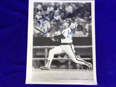 1988 Hand Signed Autograph Of Reggie Jackson 8 X 10 Photograph California Angels