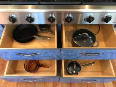 4 Drawers Of Various Like New Circulon Pots And Pans Plus Glass Pans - See Photos