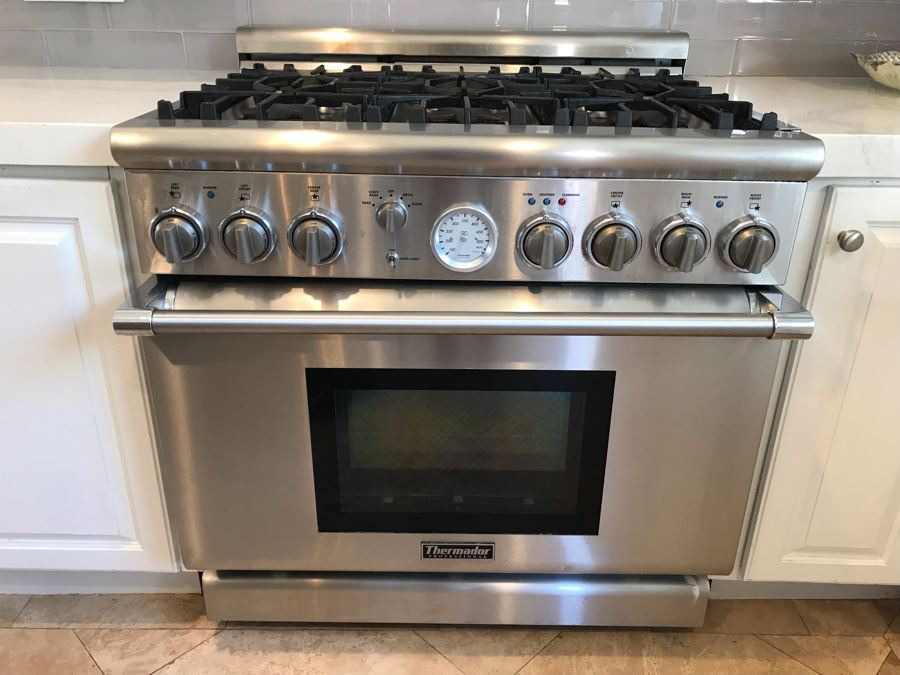 Thermador Professional 36' Freestanding 6-Burner Gas Range Stainless Steel Retailed Over $7,000 [Photo 1]