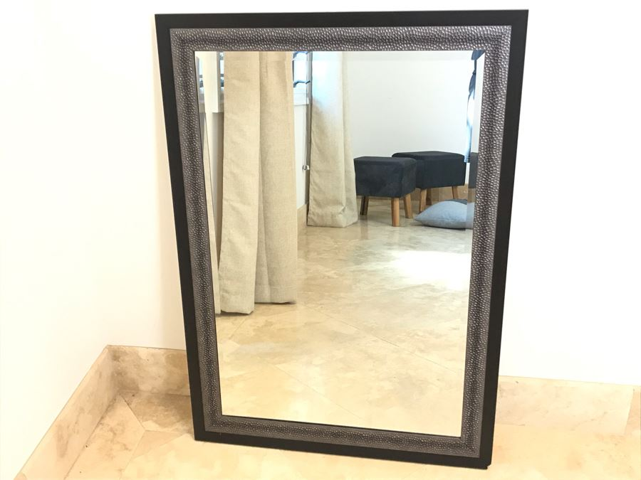 Contemporary Wall Mirror 29' X 42' [Photo 1]