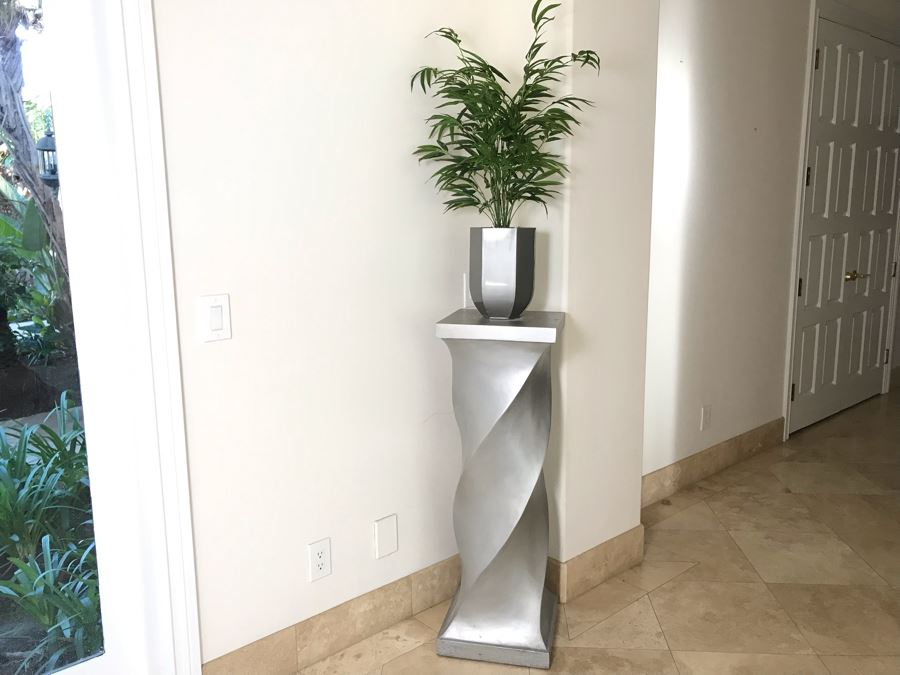 Silver Tone Twist Design Pedestal Table Sculpture Stand 42'H X 14' X 14' With Artificial Plant