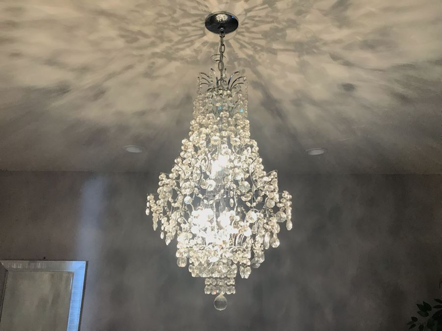 Crystal And Chrome Contemporary Chandelier [Photo 1]
