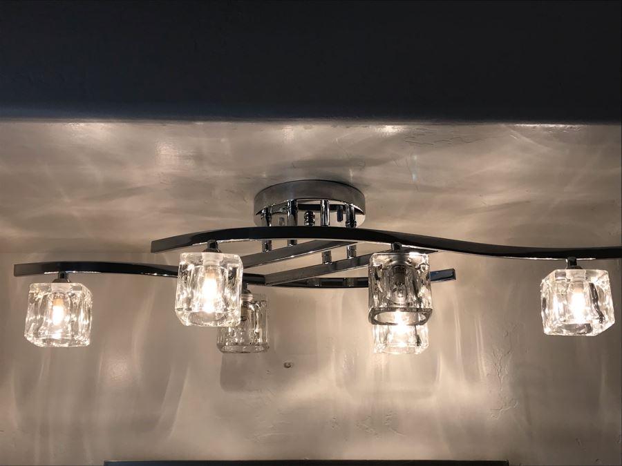 Modern Chrome And Glass Vanity Light Fixture 32'L X 12'W