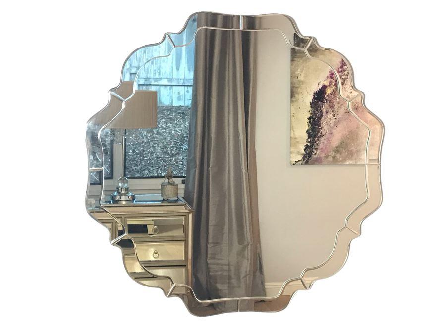 Designer Wall Mirror 32' X 32' [Photo 1]