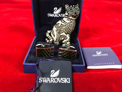 Swarovski Crystal Cat Pin Brooch And Swarovski Cufflinks With Box