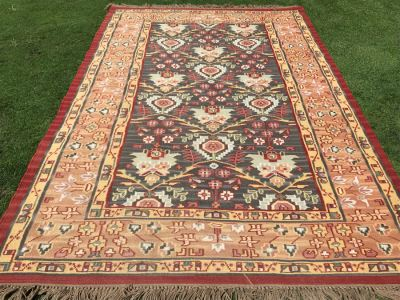 Hand Knotted Wool Area Rug 65W X 102L