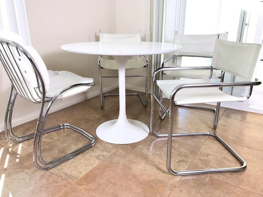Tulip Table In Manner Of Eero Saarinen And (4) Bent Chrome And Leather Chairs [Photo 1]