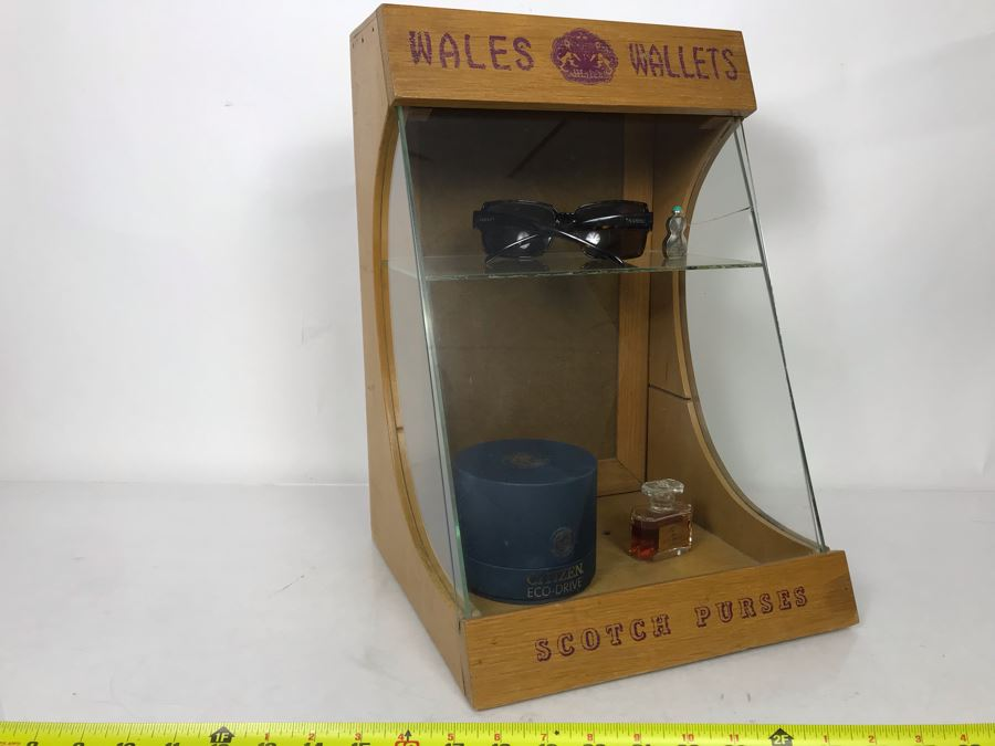 Original English Wales Wallets Scotch Purses Mercantile Store Countertop Display Case (Right Side Glass Has A Crack - Doesn't Include Items In Case) 11.5W X 10.5D X 16.5H [Photo 1]