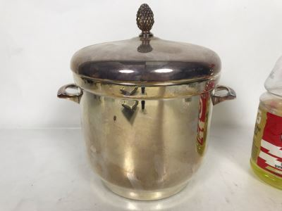 Vintage E Sheffield Silver Co Glass Lined Ice Bucket With Lid 9W X 9.5H