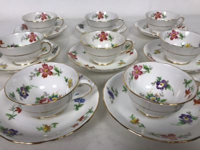 Set Of 8 Demitasse Tuscan Fine Bone China Gold Rim Cups And Saucers Made In England