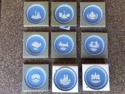 Set Of Nine Wedgwood Christmas Plates From 1970-1978 With Original Boxes