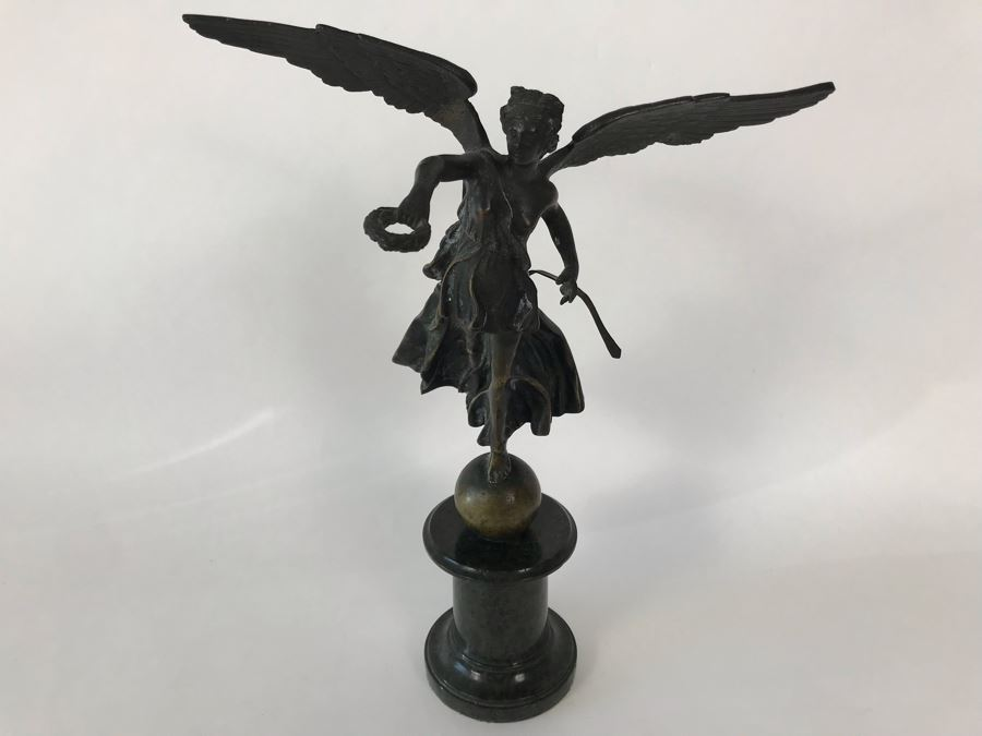 Vintage Italian Bronze Statue Of Winged Victory Grand Tour Angel Holding Wreath Standing On Ball 9W X 6D X 12H 3.25lbs [Photo 1]