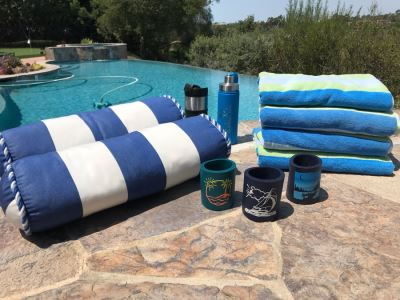 Beach Pool Lot With (4) Beach Towels, (2) Pillows, (3) Drink Koozies Can Coolers, Water Bottle And Travel Coffee Cup