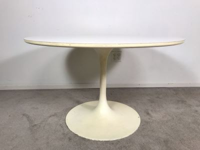 Mid-Century Modern 1960s White Tulip Table By Burke, Inc 41R X 25.5H