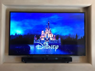 SAMSUMG 60' LED HDTV Model UN60ES6100 With Wall Mounting Hardware And Remote Control (Does Not Include Soundbar)