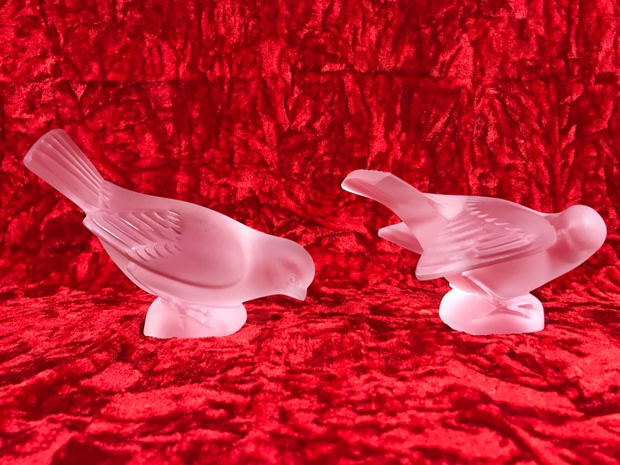 JUST ADDED - Pair Of Signed Lalique France Frosted Crystal Bird Figurines (4/75W X 2D X 3.5H / 4.5W X 3D X 3H) (MOE) [Photo 1]