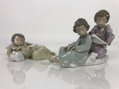 JUST ADDED - Pair Of Lladro Angels Figurines 5727 'Angel Care' 7W X 5H And 5728 'Heavenly Dreamer' 6.5W X 2.5H (MOE)