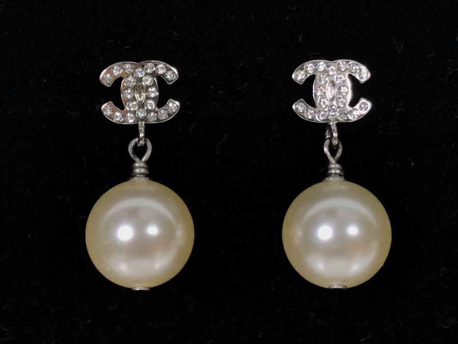 JUST ADDED - Chanel Crystal Pearl Drop Earrings B14 V Made In Italy (MOE) [Photo 1]