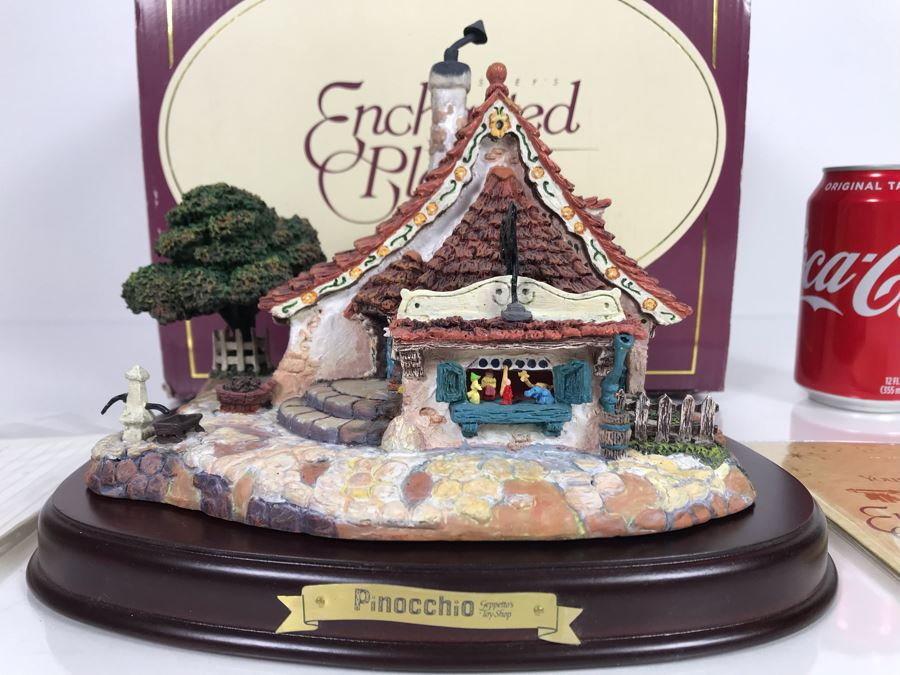 Walt Disney Classics Collection Geppetto's Toy Shop From Pinocchio Disney's Enchanted Places Figurine With Box 9W X 7H [Photo 1]