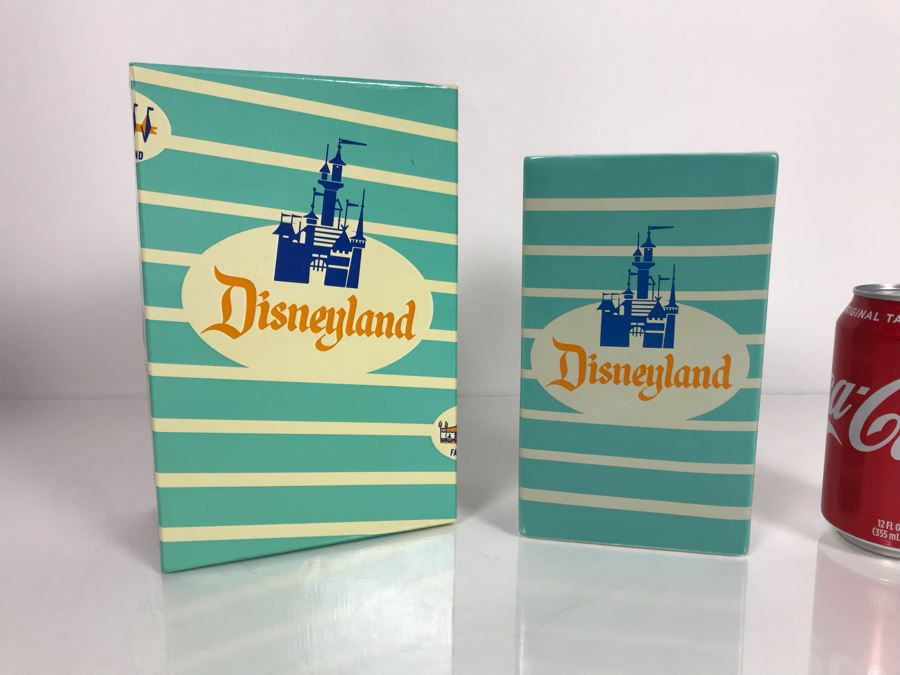 Ceramic Reproduction 1950s Disneyland Park Popcorn Box Adapted By Kevin Kidney & Jody Daily LE 1955 With Box (Estimate $100-$300) [Photo 1]