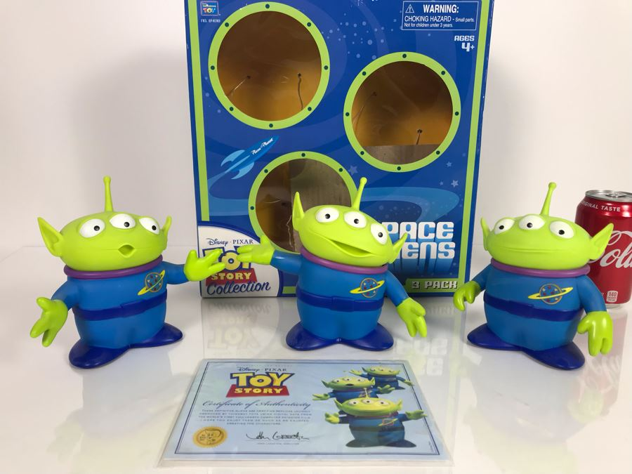 Disney PIXAR Toy Story Aliens Certified Movie Replica Collector's Edition By Thinkway Toys With Box And Certificate Of Authenticity [Photo 1]
