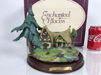 Walt Disney's Enchanted Places Seven Dwarfs' Cottage From Snow White And The Seven Dwarfs Walt Disney Classics Collection With Box
