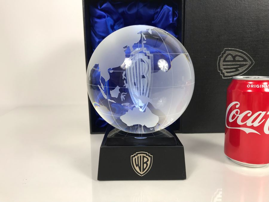 Rare Limited Edition Of 400 Warner Brothers Bros Executive Crystal Lighted Globe Ball With Box [Photo 1]