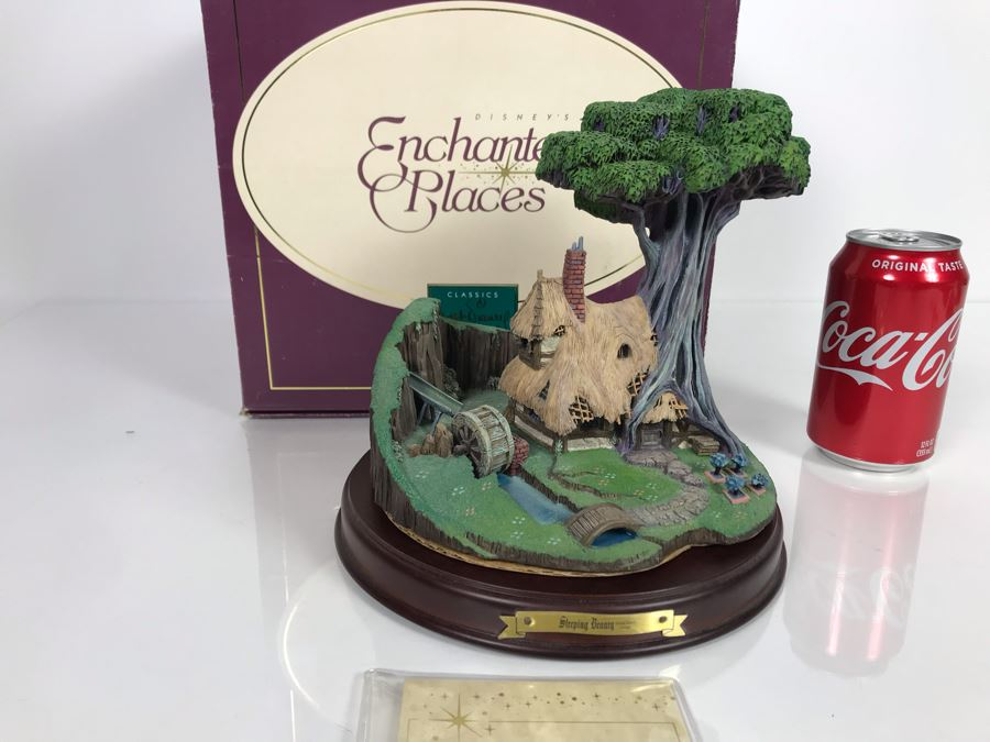 Walt Disney Classics Collection Sleeping Beauty Woodcutter's Cottage Sculpture Figurine From Disney's Enchanted Places Collection With Box [Photo 1]