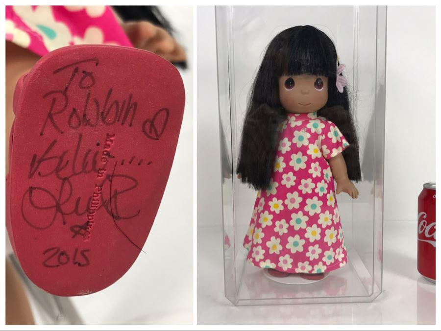 HAND SIGNED By Linda Rick Disney Parks Precious Moments Lilo Hawaiian Disney Doll Item No. 4939 With Acrylic Display Case [Photo 1]