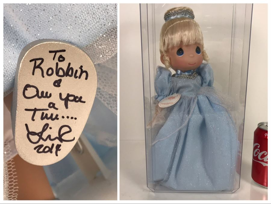 HAND SIGNED By Linda Rick Disney Parks Precious Moments Classic Cinderella Disney Doll Item No. 5144 With Acrylic Display Case [Photo 1]