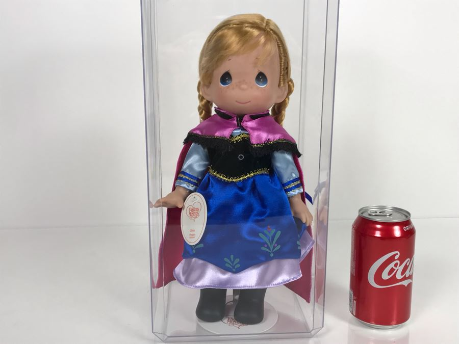 Disney Parks Precious Moments Anna From Frozen Disney Doll Item No. 5008 With Acrylic Display Case [Photo 1]