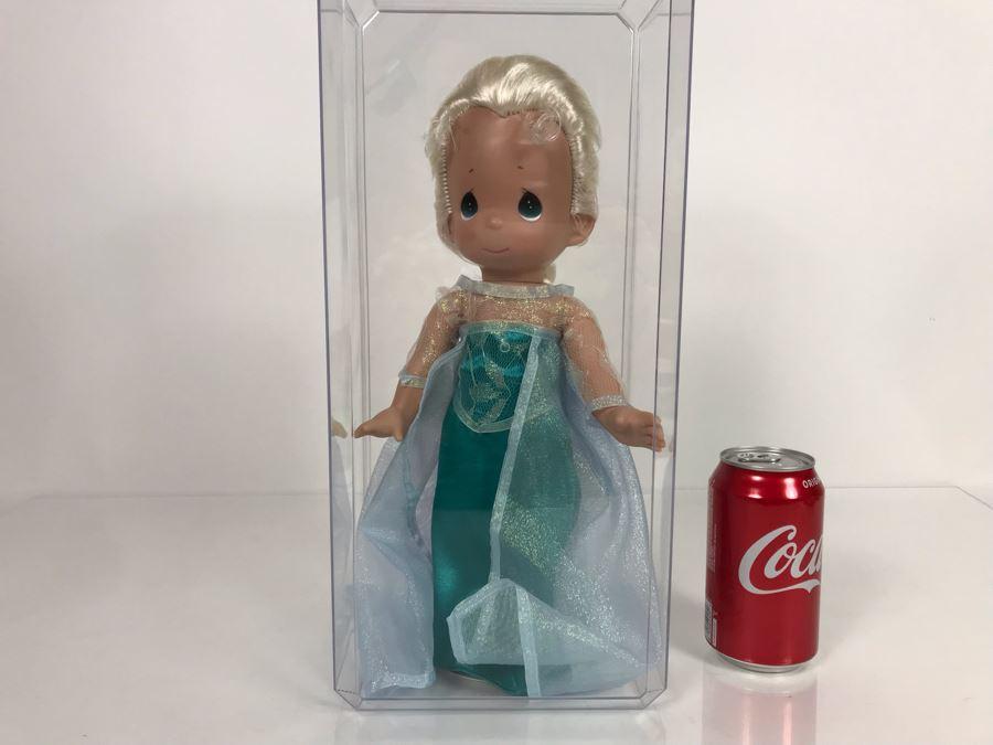 Disney Parks Precious Moments Elsa From Frozen Disney Doll Item No. 5007 With Acrylic Display Case [Photo 1]