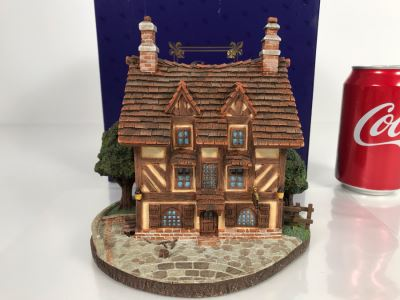 Le Pub French Village From Disney's Beauty And The Beast Village Figurine With Box (Residual Museum Wax On Bottom)
