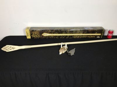 The Lord Of The Rings The Staff Of Gandalf The White With Box By United Cutlery Brands