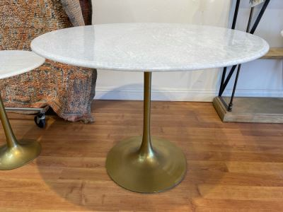Eero Saarinen Style Tulip Table With Marble Top And Metal Base 39'R X 29.5'H Retails $1,495