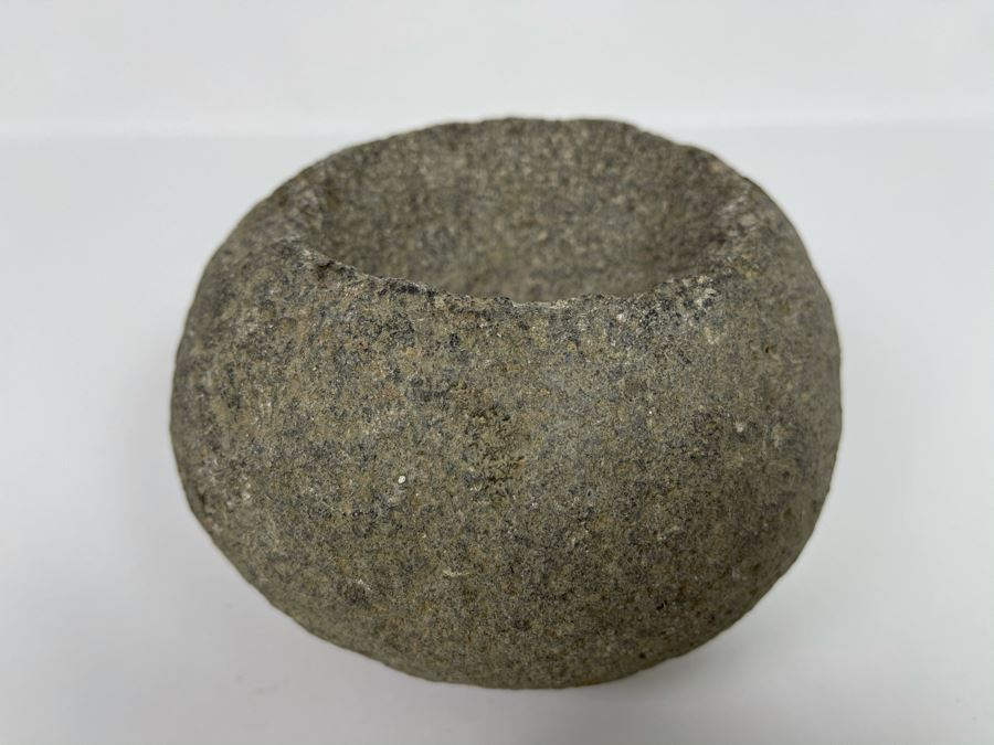 Old Native Round Metate Mealing Stone 6W X 4H