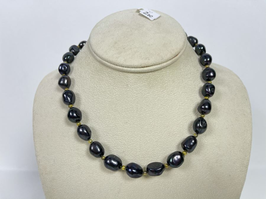 16' Black Pearl Necklace Retails $200 [Photo 1]