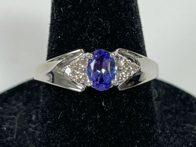 14K Gold Tanzanite Ring Size 7.25 2.9g