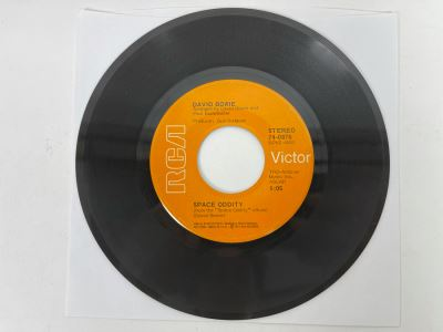 Vintage 1973 David Bowie Space Oddity / The Man Who Sold The World 45RPM Vinyl Record