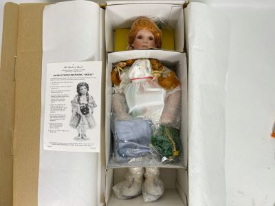 New Molly Irish Porcelain Collectible Doll By Peggy Dey / Danbury Mint 20'L With Box