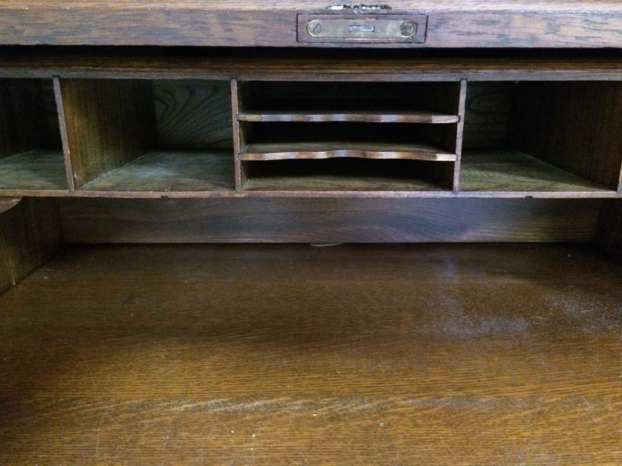 Grand Rapids Desk Company Small Vintage Rolltop Desk On
